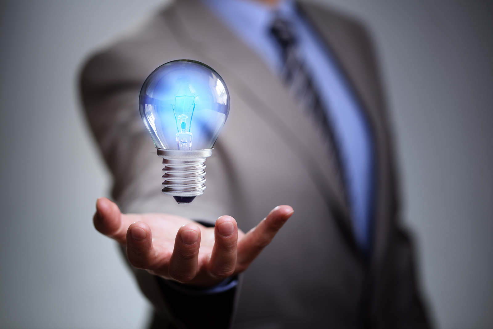 light bulb invention and purpose
